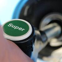 Carburantes sintéticos: qué son y cuáles son los pros y contras de esta 'gasolina verde'