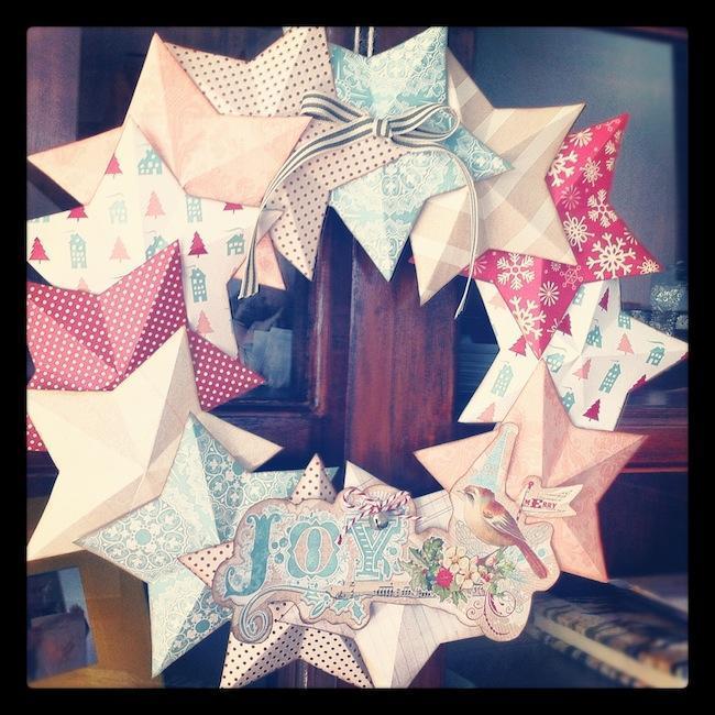 manualidades de navidad con niños corona de estrellas