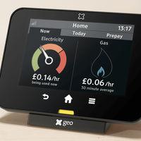 Este sistema permite controlar el consumo de energía que tenemos en el hogar desde cualquier lugar y en tiempo real