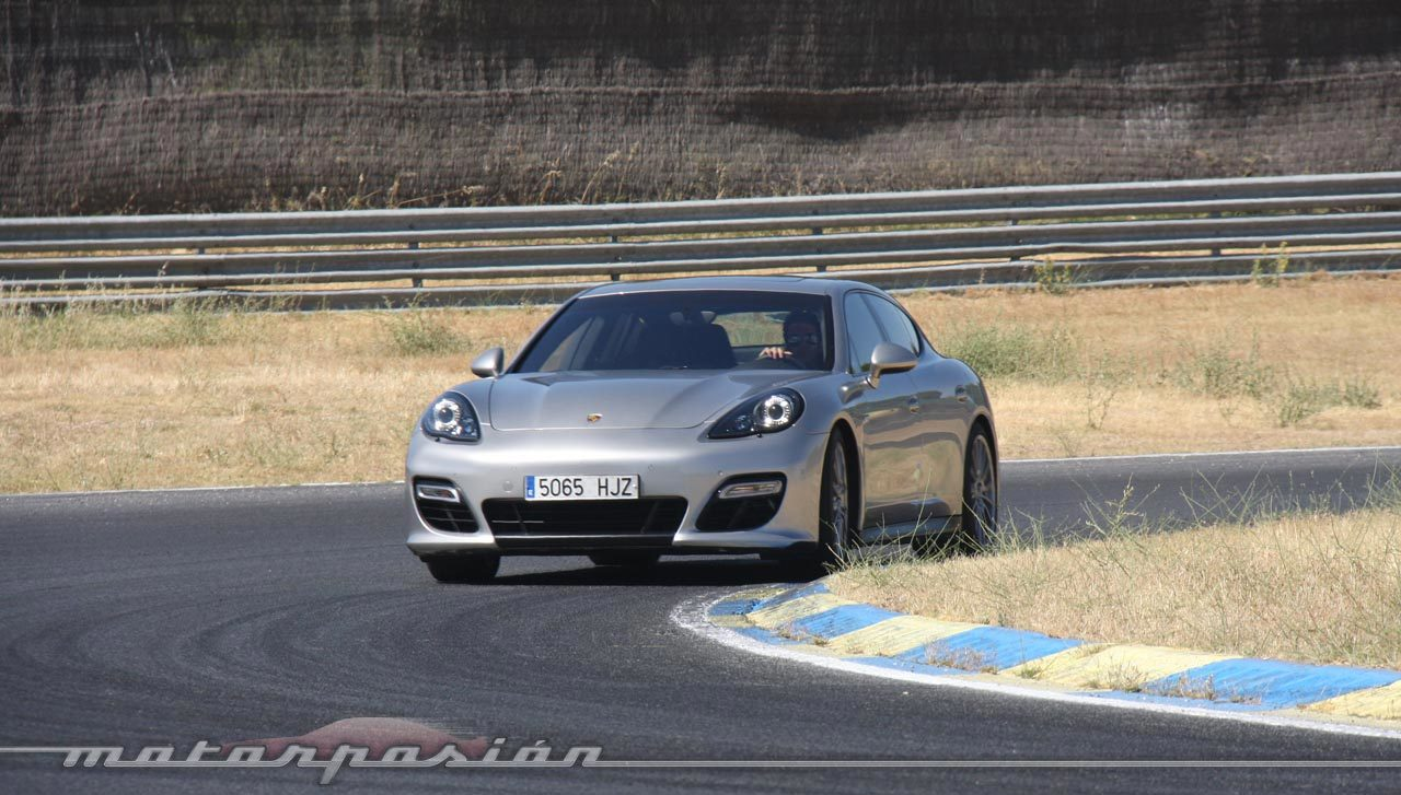 Foto de Porsche Panamera GTS (Prueba) (109/135)