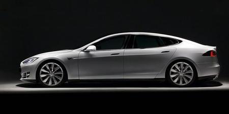 El Tesla Model S contará con una versión más larga