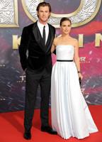 Cuando la sencillez hace que un look brille: Natalie Portman en el estreno de Thor