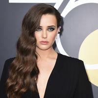 Katherine Langford se lleva el premio a mejor peinado en los Globos de Oro 2018