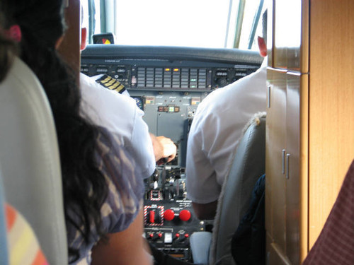 ¿Vas a cruzar el charco? Cómo cuidarte a la hora de realizar un viaje largo en avión