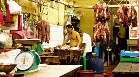 ¿Si comes salchichas serás menos fértil que si comes pollo?