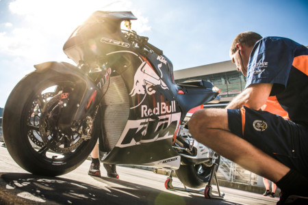 En KTM están encantados, el plan de asaltar MotoGP va viento en popa