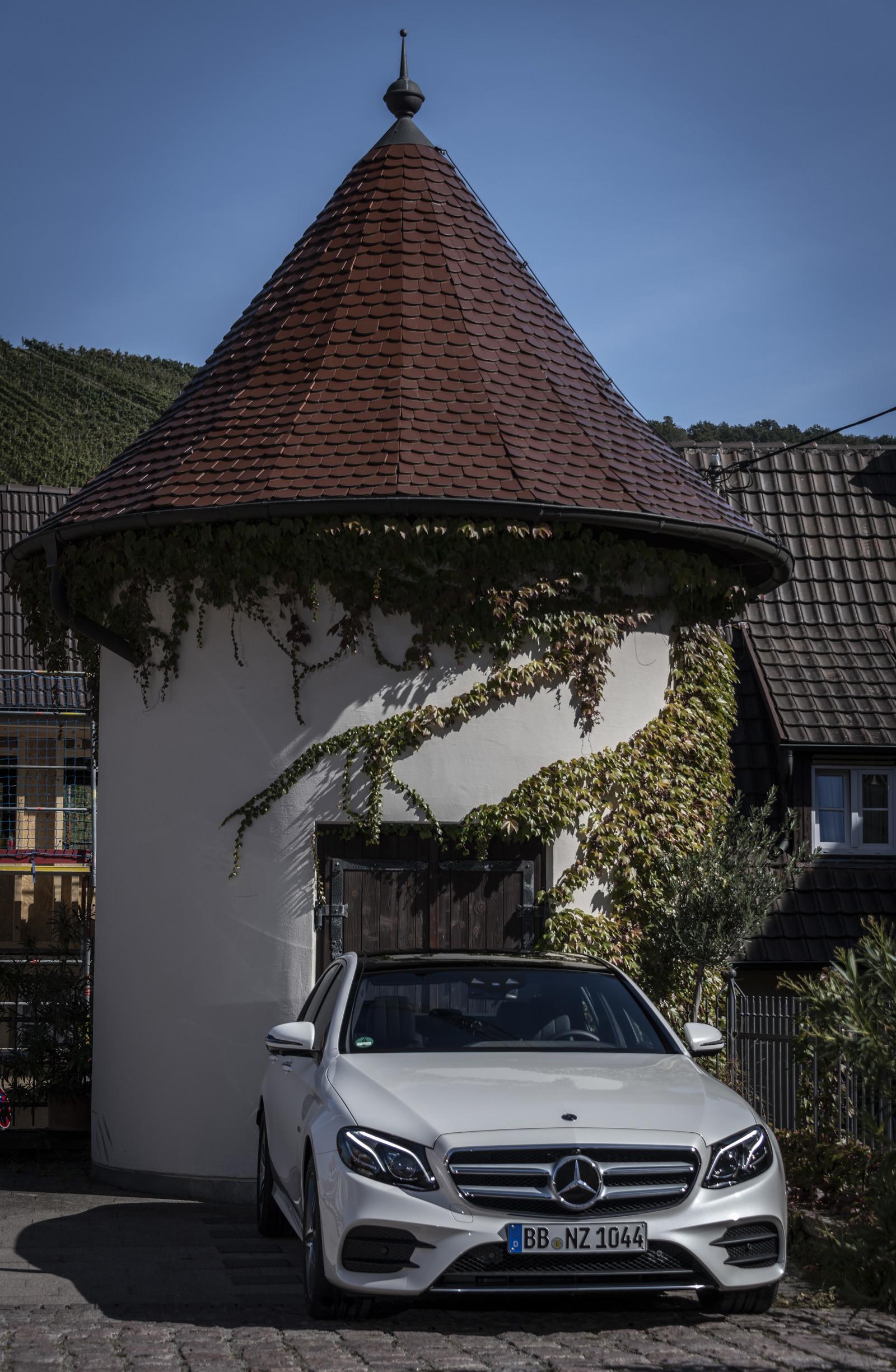Foto de Mercedes-Benz E 300 de (presentación) (9/47)