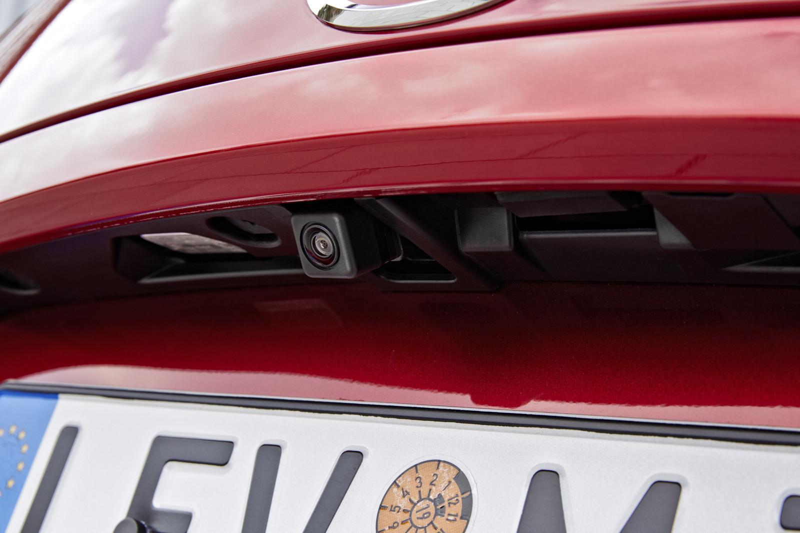 Mazda >> Mazda3 1.5 Skyactiv-D (33/41)