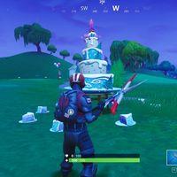 Guía Fortnite: baila delante de pasteles de cumpleaños distintos