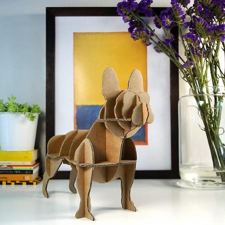 Escultura perro en cartón