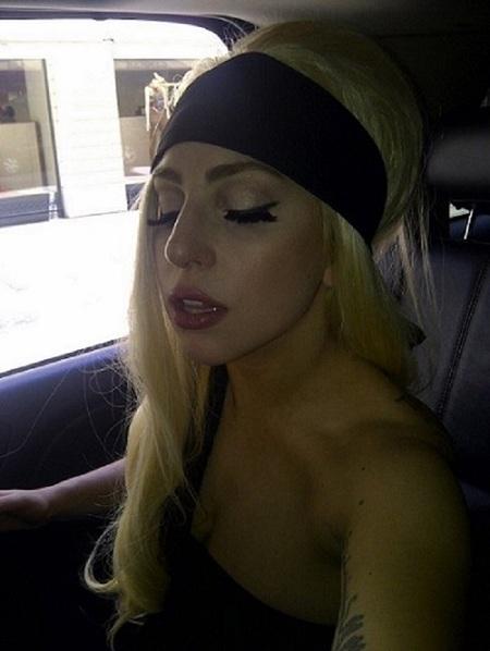 ¿A alguien le sorprende que Lady Gaga quiera llegar al altar vestida de negro?