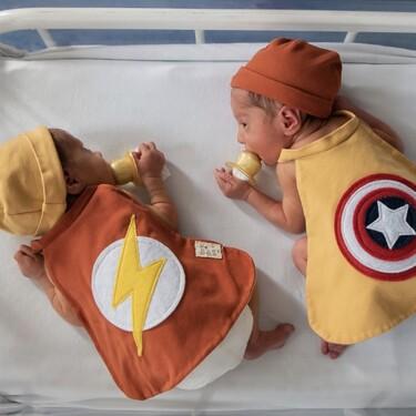 Los recién nacidos de la UCI del Hospital Clínic de Barcelona se disfrazan de superhéroes en Carnaval