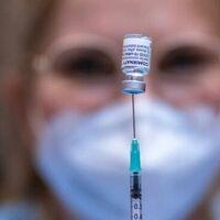 Vacunas COVID-19 para turistas a partir del 1 de junio en Alaska