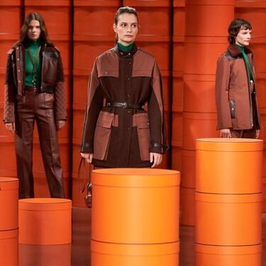 Cuero, denim y punto en tonos neutros: Hermès realza el poder de lo esencial en su colección Otoño-Invierno 2021/2022