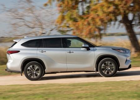 Toyota Highlander 2020 4