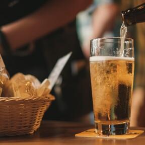 Este kit rebajado para fabricar tu propia cerveza IPA es la compra perfecta para despedir el mes de octubre sin salir de casa