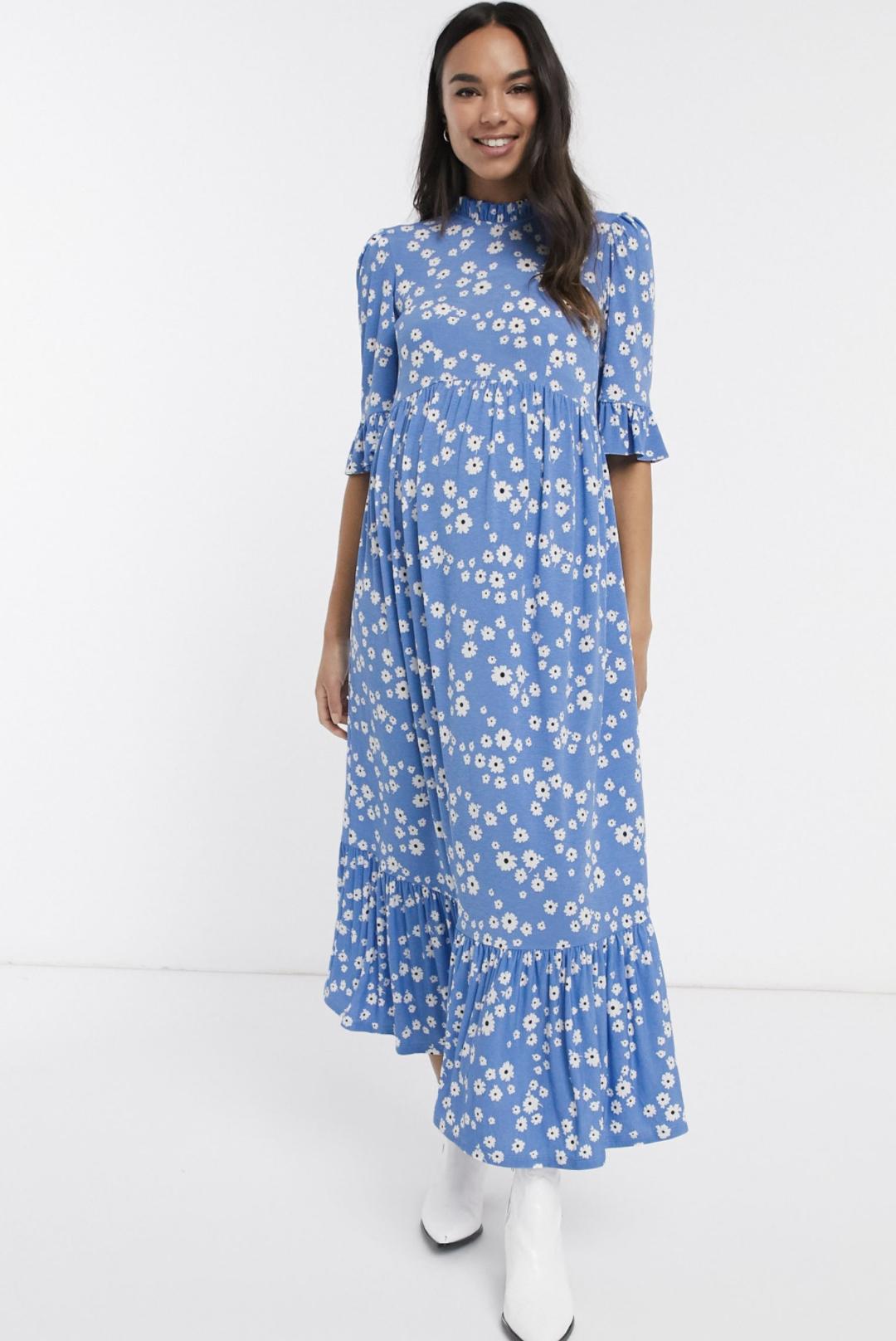 Vestido amplio con diseño de margaritas en azul de ASOS DESIGN Maternity