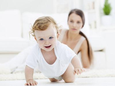Que el bebé gatee podría ayudar a reducir el riesgo de asma