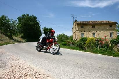 Moto Giro D