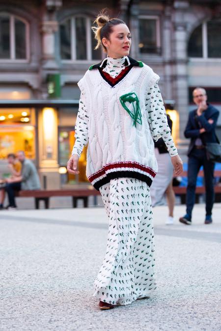 El premio a la originalidad encima de la alfombra roja se lo lleva Marion Cotillard por su último estilismo