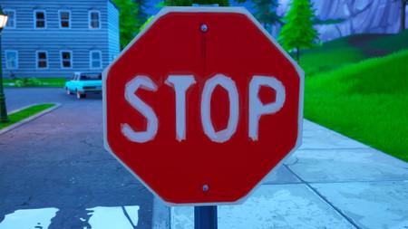 Desafío Fortnite: destruye señales de STOP con el traje Catalizadora. Solución