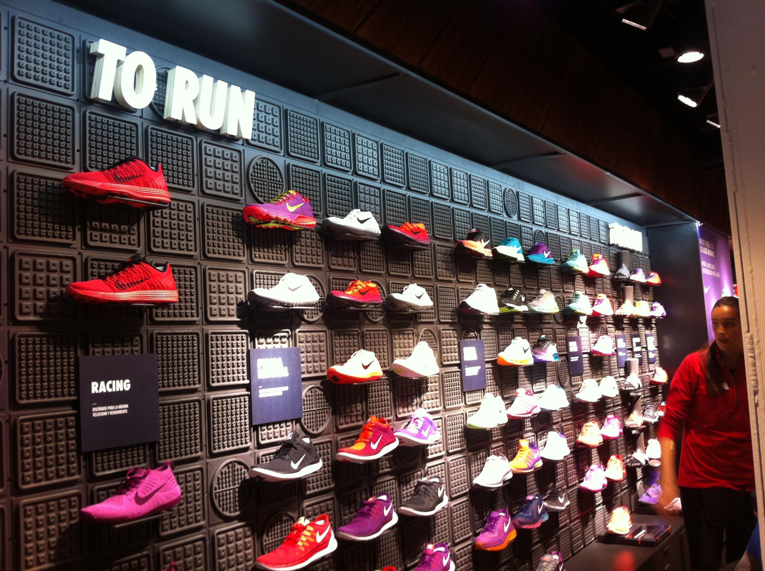 Foto de Nike Store Serrano (6/17)