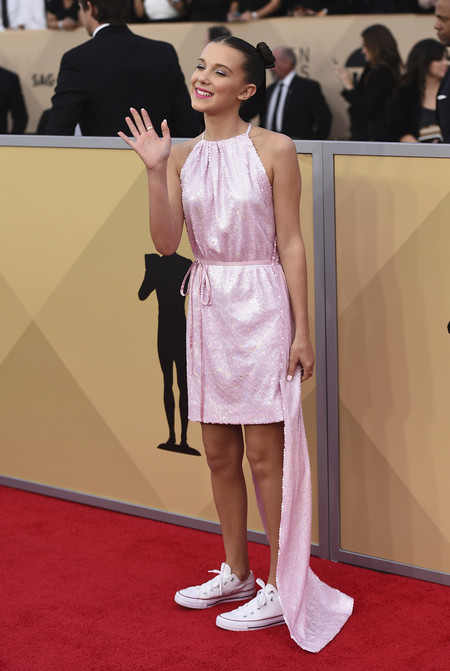Alfombra Roja Sag Awards 2018 Millie Bobby Brown Calvin Klein 205w39nyc