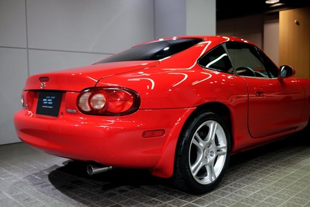 Mazda Mx 5 Roadster Coupe 4