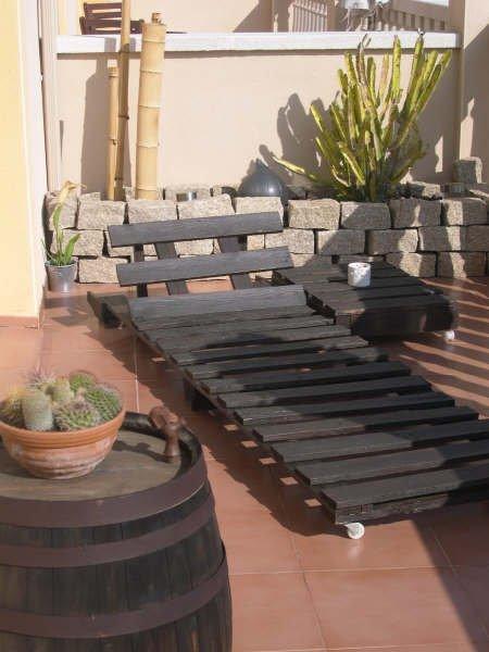Unos muebles hechos con palés.