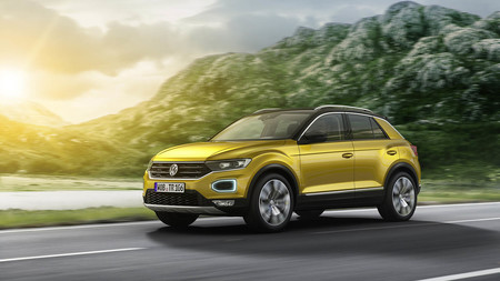 Volkswagen contempla un T-Roc GTE: sería un potente SUV híbrido enchufable con la mecánica del Volkswagen Golf GTE