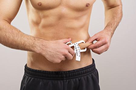 El índice de masa corporal (IMC) no es fiable: otros parámetros que podemos usar para medir el sobrepeso y la obesidad