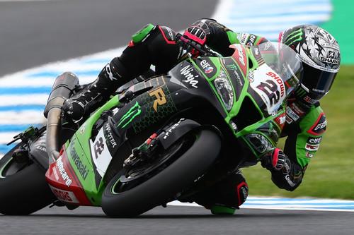 Alex Lowes sorprende a Jonathan Rea, lidera el doblete de Kawasaki y se pone líder del mundial de Superbikes