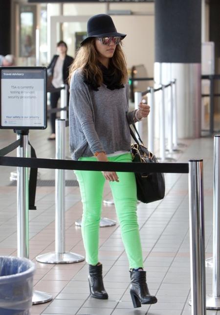Jessica+Alba+Color+Pants+Verde