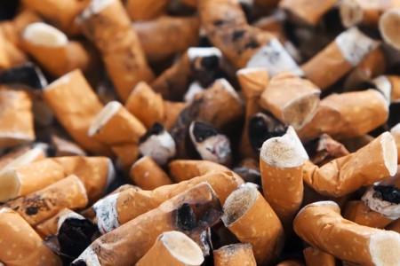 El tabaquismo de los padres produce pobreza en medio millón de niños británicos
