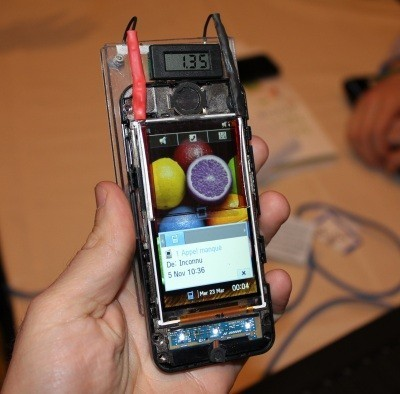 Células de carga solar incorporadas a pantallas táctiles, el futuro a la vuelta de la esquina