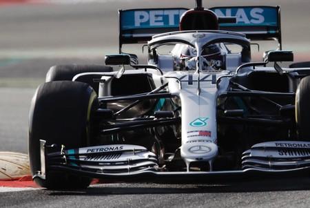 La vida sigue igual en la Fórmula 1: doblete de Mercedes en el primer día de pretemporada en Montmeló