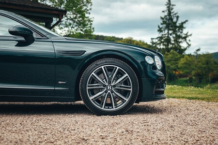 Bentley Flying Spur Hybrid 2021 012