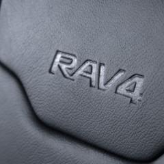 Foto 9 de 11 de la galería toyota-rav4-hybrid-sapphire en Motorpasión