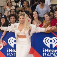 Los mejores y peores looks de la alfombra roja de los iHeart Radio MuchMusic Video Awards
