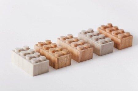 Bloques de LEGO en madera