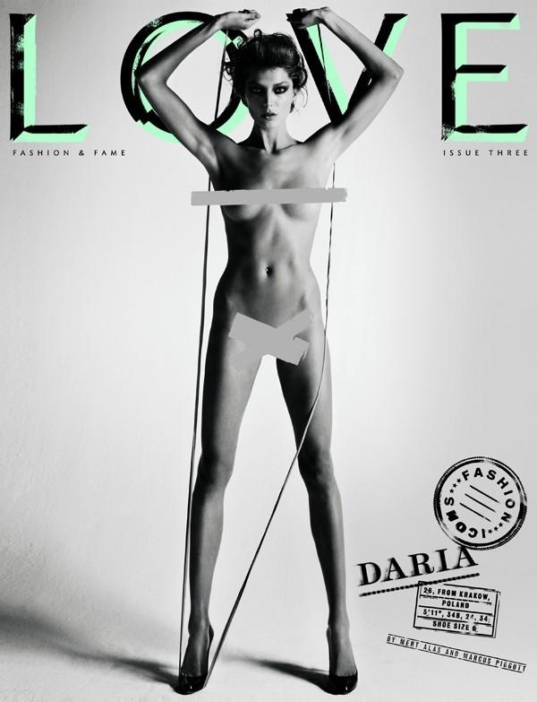 Foto de Top models desnudas en Love (2/8)