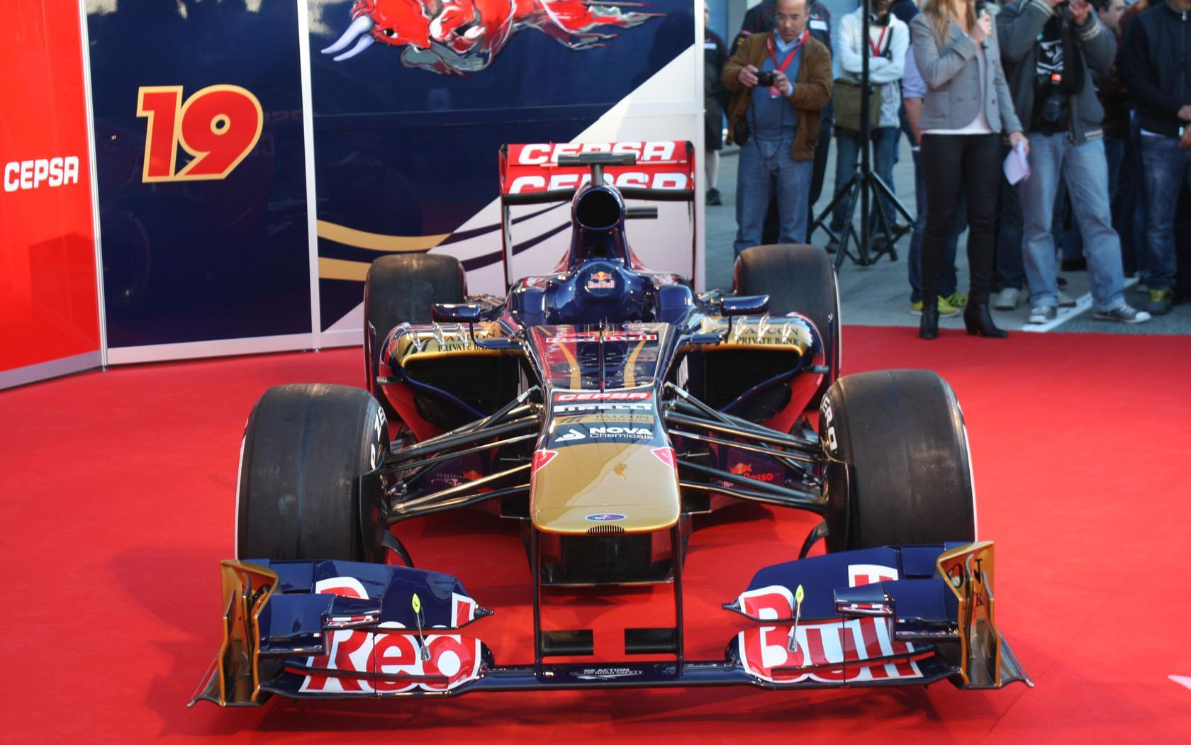 Foto de Toro Rosso STR8 (3/5)