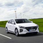 Probamos los Hyundai IONIQ eléctrico e híbrido: órdago frente a los japoneses