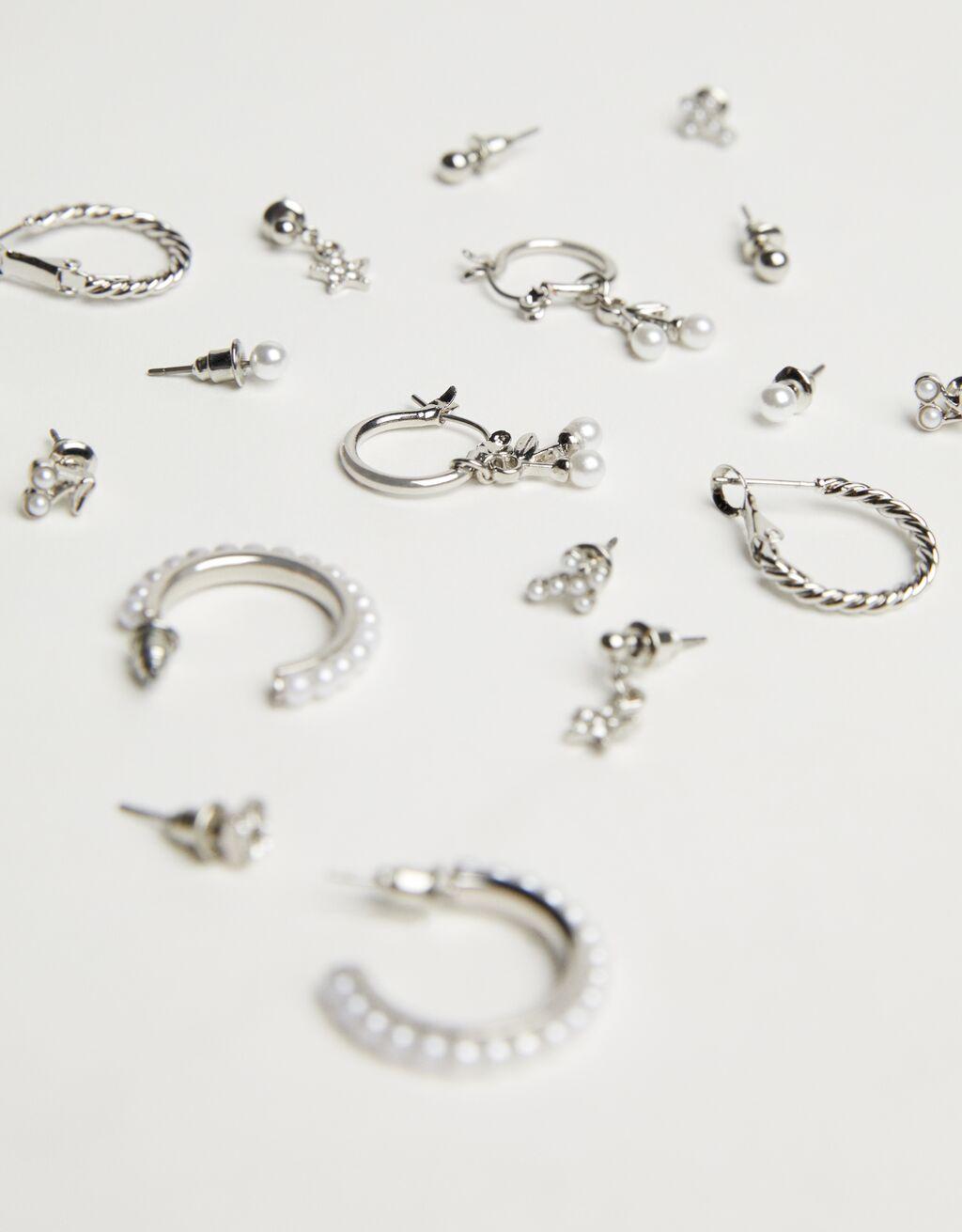 Set 9 pendientes aro perlas de Bershka