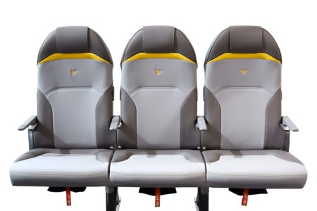 Los asientos para avión de Peugeot Design Lab son más ligeros que una garrafa de aceite