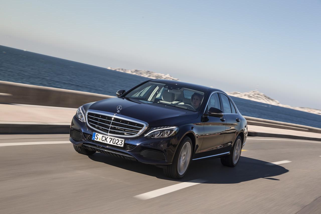 Foto de Mercedes C 200 BT Exclusive Line Canvasitblau (1/15)