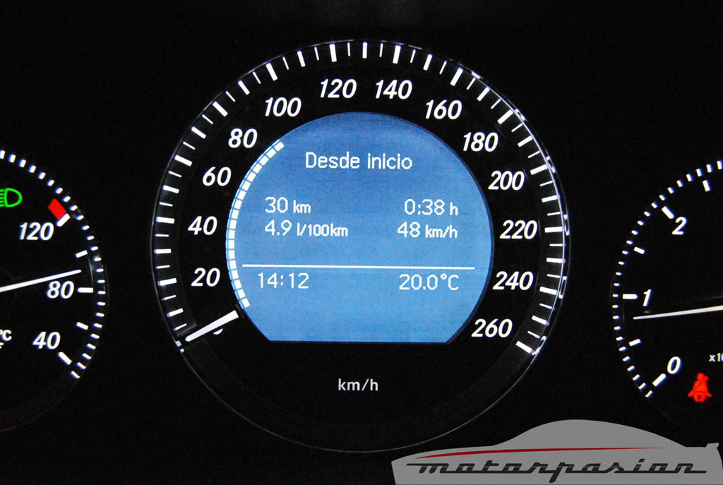 Foto de Mercedes Clase C 200 CDI BlueEfficiency (prueba) (49/56)