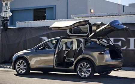 Tesla Model X 03