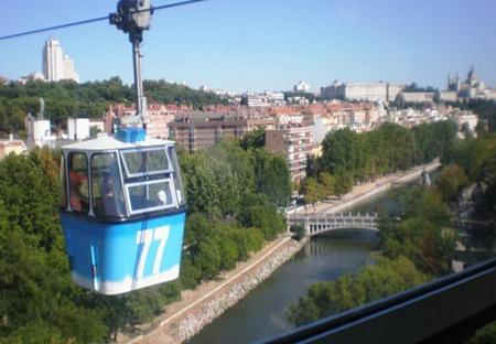 Recogida solidaria de juguetes en el Teleférico de Madrid