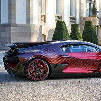 Bugatti Divo 'Lady Bug' o cómo volverse loco para vestir con diamantes a un escultural hiperdeportivo de 1.500 CV
